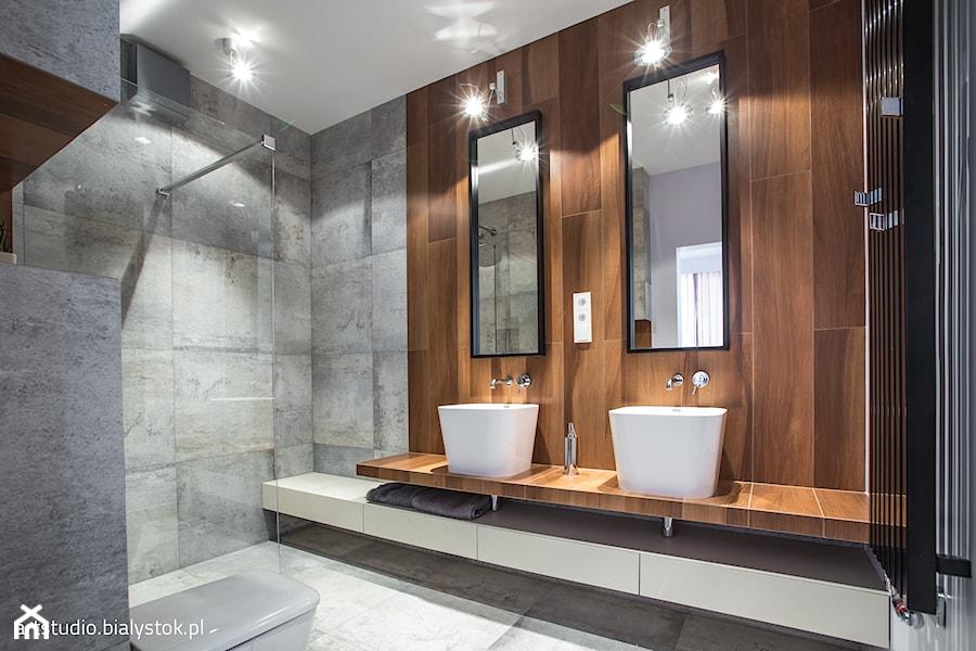 naturalnie i trochę surowo...realizacja 2014 - Średnia brązowa szara łazienka w bloku, styl minimalistyczny - zdjęcie od MANUstudio • projektowanie wnętrz