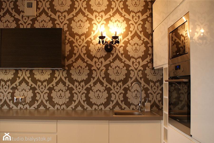 Aranżacje wnętrz - Kuchnia: w stylu glamour... - Kuchnia, styl glamour - MANUstudio • projektowanie wnętrz . Przeglądaj, dodawaj i zapisuj najlepsze zdjęcia, pomysły i inspiracje designerskie. W bazie mamy już prawie milion fotografii!