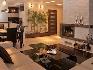 gra kontrastów... - Średni biały salon z jadalnią, styl nowoczesny - zdjęcie od MANUstudio • projektowanie wnętrz