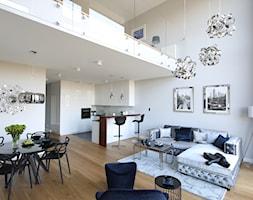 Ekspresy - Duży szary salon z kuchnią z jadalnią, styl nowoczesny - zdjęcie od Jura