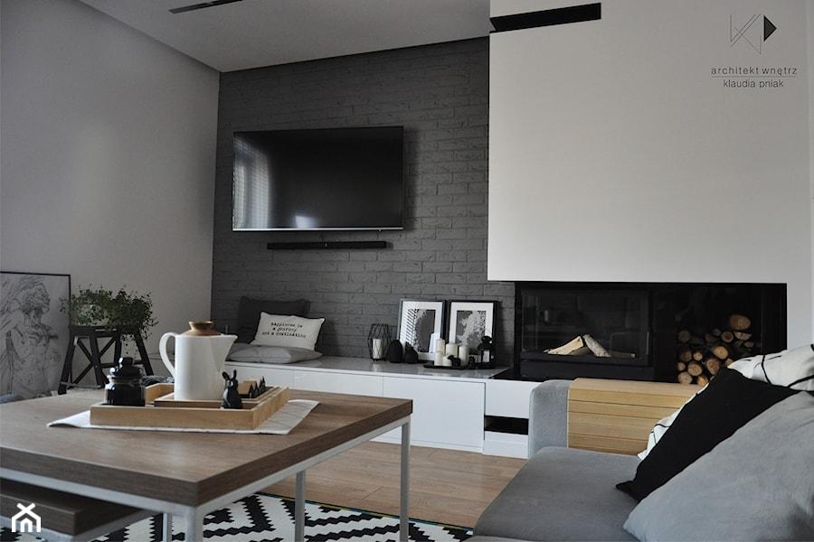 Metamorfoza domu jednorodzinnego,Wysoka-Zawiercie - Średni szary biały salon, styl nowoczesny - zdjęcie od STUDIO PNIAK