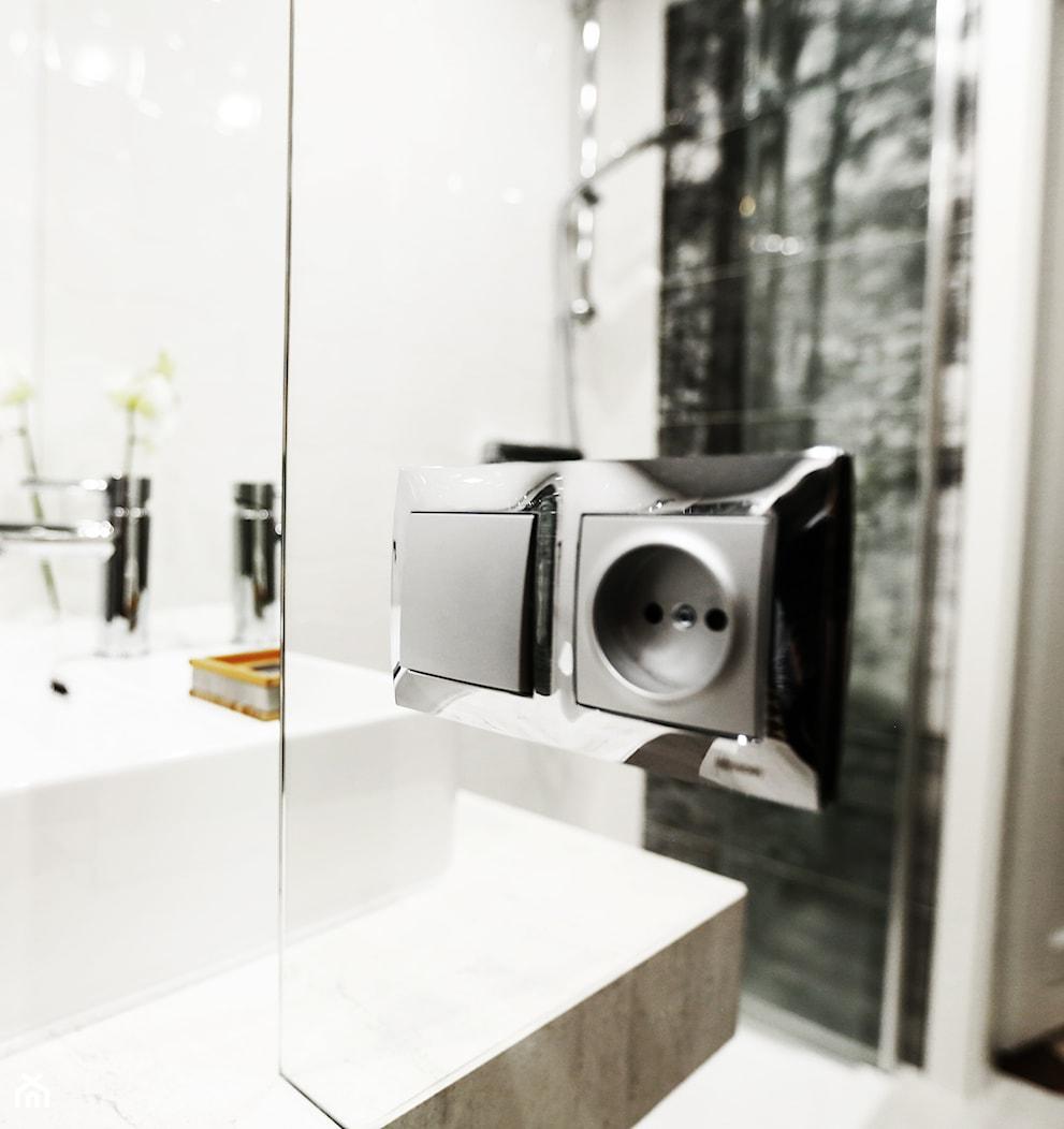Mała łazienka z bambusem - Łazienka, styl nowoczesny - zdjęcie od SzybkieMetamorfozy.pl - Homebook