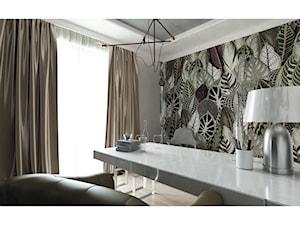 Gabinet w stylu nowoczesnego glamour - Średnie szare biuro domowe w pokoju, styl glamour - zdjęcie od Projektowanie Wnętrz Krystian Motyl