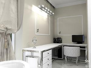GLAMOUR - Średnie beżowe białe biuro domowe kącik do pracy w pokoju, styl glamour - zdjęcie od SM STUDIO Projektowanie wnętrz