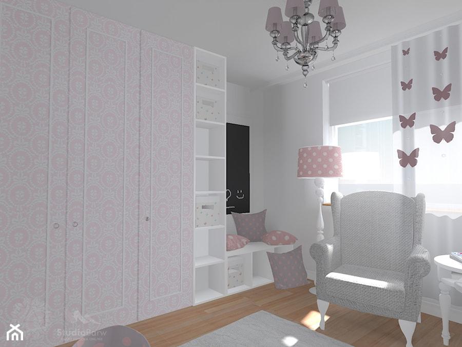 Aranżacje wnętrz - Pokój dziecka: Pokój dziewczynki - Średni biały czarny pokój dziecka dla dziewczynki dla niemowlaka dla malucha, styl klasyczny - StudioBarw. Przeglądaj, dodawaj i zapisuj najlepsze zdjęcia, pomysły i inspiracje designerskie. W bazie mamy już prawie milion fotografii!