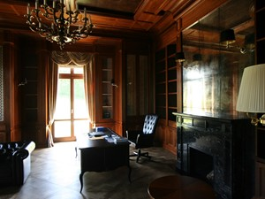 Gabinet w drewnie - zdjęcie od Manufaktura WIRCHOMSKI