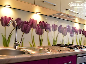 Kuchnia z tulipanami