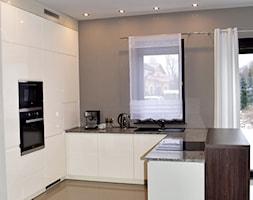 White modern kitchen - zdjęcie od Mebel Styl