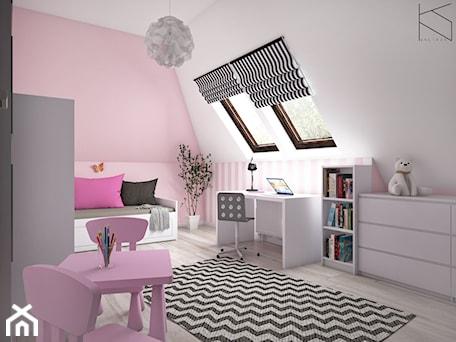 Aranżacje wnętrz - Pokój dziecka: Pokój dziewczynki - Średni biały różowy pokój dziecka dla dziewczynki dla ucznia dla malucha dla nastolatka, styl tradycyjny - KN.wnętrza. Przeglądaj, dodawaj i zapisuj najlepsze zdjęcia, pomysły i inspiracje designerskie. W bazie mamy już prawie milion fotografii!