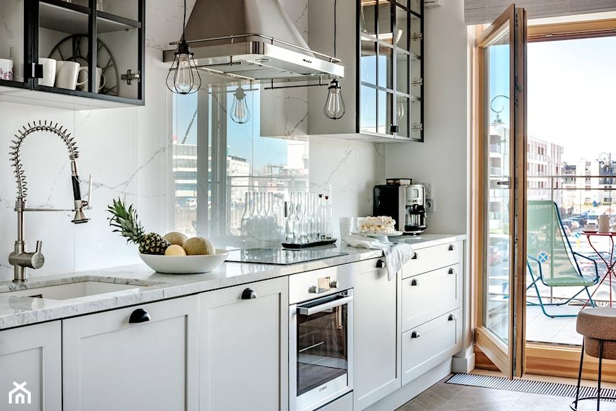 WILANÓW  Średnia otwarta kuchnia jednorzędowa, styl industrialny  zdjęcie o   -> Kuchnia Otwarta Wilanow Kontakt