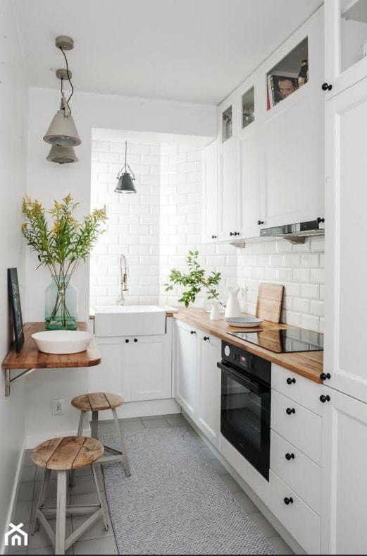 DOLNY MOKOTÓW - Mała zamknięta biała kuchnia w kształcie litery l, styl skandynawski - zdjęcie od PINKMARTINI