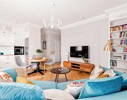 Realizacja Lipiec 2018 - Duży szary salon z bibiloteczką z kuchnią z jadalnią, styl eklektyczny - zdjęcie od Vprojekt design by Weronika - Homebook