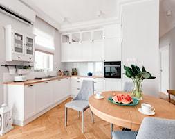 Realizacja Lipiec 2018 - Duża otwarta szara kuchnia w kształcie litery l z oknem, styl eklektyczny - zdjęcie od Vprojekt design by Weronika - Homebook