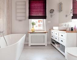 Realizacja Lipiec 2018 - Średnia szara łazienka w bloku w domu jednorodzinnym z oknem, styl eklekty ... - zdjęcie od Vprojekt design by Weronika - Homebook