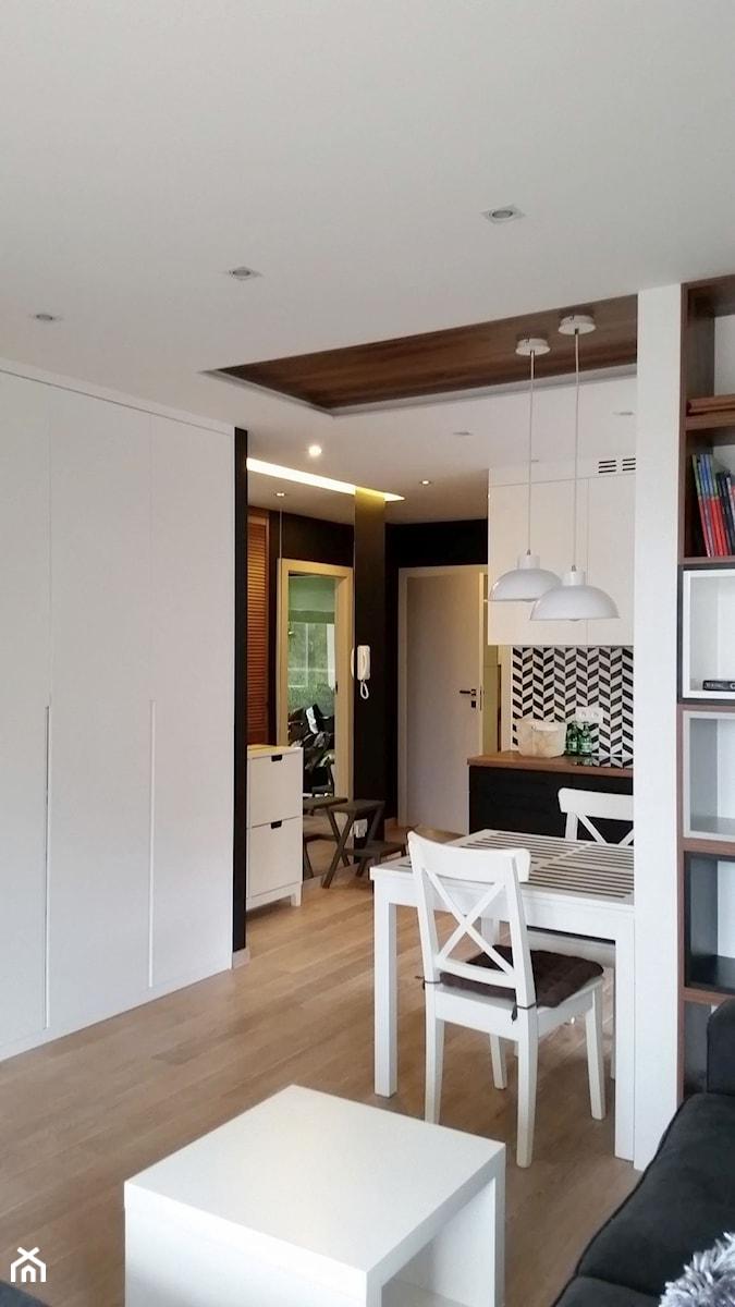 Małe M - Mała otwarta jadalnia w kuchni, styl nowoczesny - zdjęcie od Vprojekt