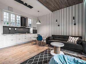 Mieszkanie w morskim klimacie - Średnia otwarta biała szara kuchnia jednorzędowa w aneksie, styl skandynawski - zdjęcie od TO DO.