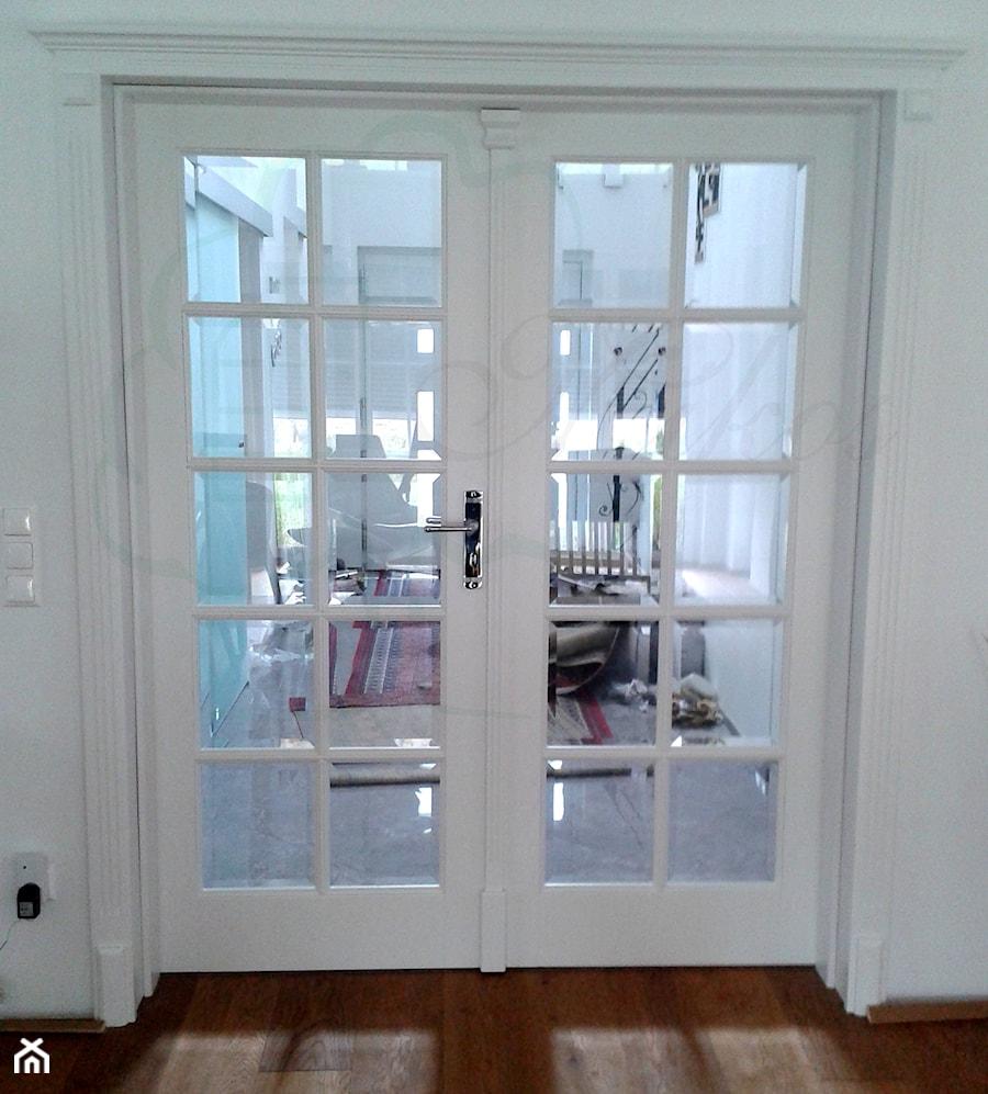 Drzwi Drewniane Wewnętrzne W Stylu Francuskim Zdjęcie Od