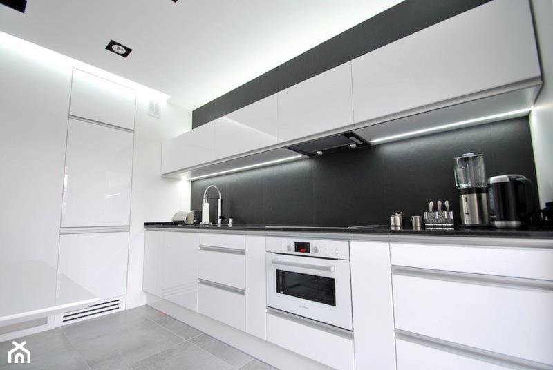 Biała czarna kuchnia  zdjęcie od MS Meble Małyjurek # Kuchnia Czarna Mat