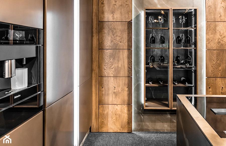 Kuchnia MARRONE - Mała zamknięta kuchnia w kształcie litery l z wyspą - zdjęcie od HALUPCZOK