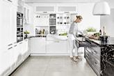 duża biała kuchnia