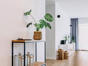 Baśniowe Wnętrza - Hol / przedpokój, styl industrialny - zdjęcie od DesignWolf Interiors