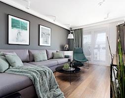 Concept Design Wnętrza #2 - Duży szary biały salon z tarasem / balkonem - zdjęcie od Piotr Arnoldes