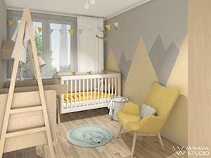 Maluch - Mały szary żółty pokój dziecka dla chłopca dla dziewczynki dla niemowlaka, styl skandynawski - zdjęcie od Anava Studio