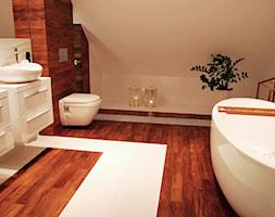 sypialnia z otwartą łazienką - Duża beżowa łazienka na poddaszu w domu jednorodzinnym jako salon kąpielowy jako domowe spa bez okna, styl nowoczesny - zdjęcie od AS DESIGN