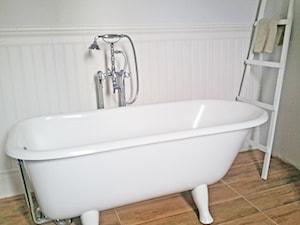 Dom w Konstancinie - Średnia łazienka, styl kolonialny - zdjęcie od Anyform