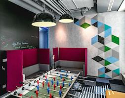 Przestrzeń biurowa Edge One Solutions - Warszawa - Średnie czarne szare biuro pracownia, styl nowoczesny - zdjęcie od SCALA DESIGN