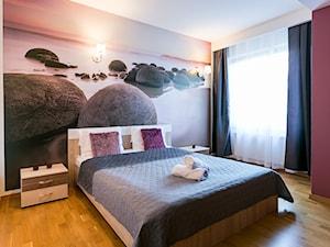 Pełne ciepła mieszkanie - Średnia kolorowa sypialnia dla gości, styl nowoczesny - zdjęcie od Art & Deco Design