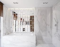 DOM JEDNORODZINNY WARSZAWA 350 M2 - Mała szara łazienka w domu jednorodzinnym z oknem, styl nowoczesny - zdjęcie od EDYTA SOWIŃSKA INTERIOR DESIGN