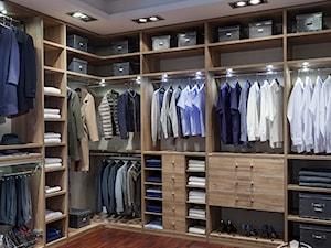 Garderoba KOMANDOR - Średnia otwarta garderoba przy sypialni, styl tradycyjny - zdjęcie od Komandor - Wnętrza z Charakterem