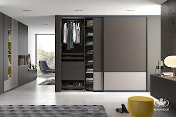 Drzwi przesuwne i drzwi uchylne – które rozwiązanie najlepiej sprawdzi się w Twoim domu