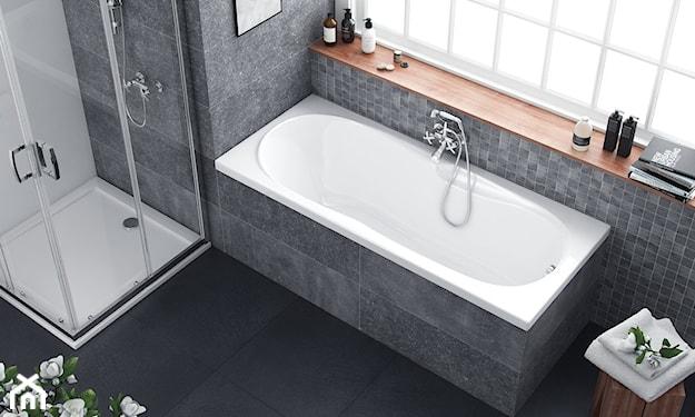 łazienka z prysznicem i zabudowaną wanną