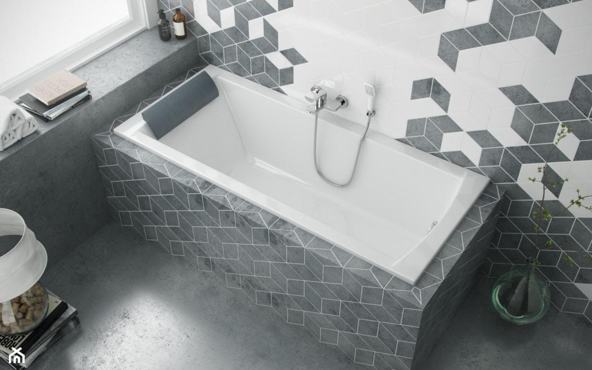 zabudowana wanna w szarej nowoczesnej łazience