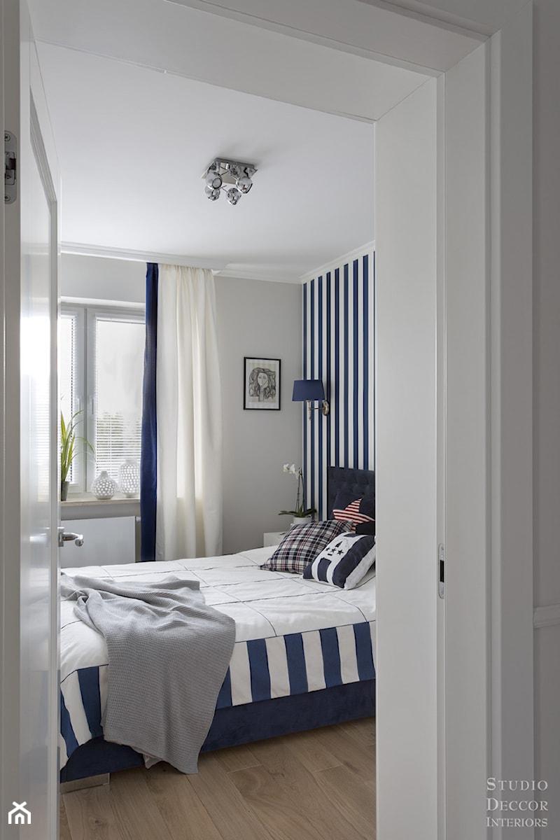 Mieszkanie W Stylu Modern Classic średnia Biała Szara