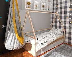 Pokój nastolatki ,, pokój nastolatka, pokój dziecka, pokój dziewczynki. Łózko domek. Drewno, biel, rolety. Podwieszany fotel. Wiszący fotel. Hamak, drabinka, ścianka wspinaczkowa - zdjęcie od KATARZYNA ROŻEK R-INTERIOR DESIGN projektowanie wnętrz