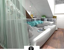 Pokój nastolatka na poddaszu, łóżko z zasłoną, łózko z kotarą, baldachimem - zdjęcie od KATARZYNA ROŻEK R-INTERIOR DESIGN projektowanie wnętrz