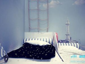 Projekt pokoju dziecięcego - Mały niebieski pokój dziecka dla chłopca dla malucha dla nastolatka, styl minimalistyczny - zdjęcie od archi group