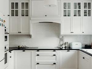 Kuchnia klasyczna drewniana / meble z duszą - zdjęcie od Smart Design Sara Tokarczyk