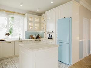 Kuchnia w stylu klasycznym/ dom styl prowansalski