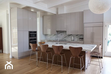 Zalety polimerowego szkła w kuchni