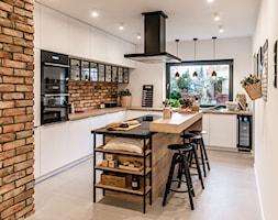 RAUVISIO CRYSTAL - Kuchnia, styl industrialny - zdjęcie od REHAU