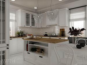 Kuchnia w stylu klasycznym z białymi frontami