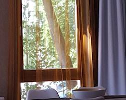 Dekoracja+okna+z+miedzianymi+firanami+-+zdj%C4%99cie+od+Dekoracja+Okna+Serwis