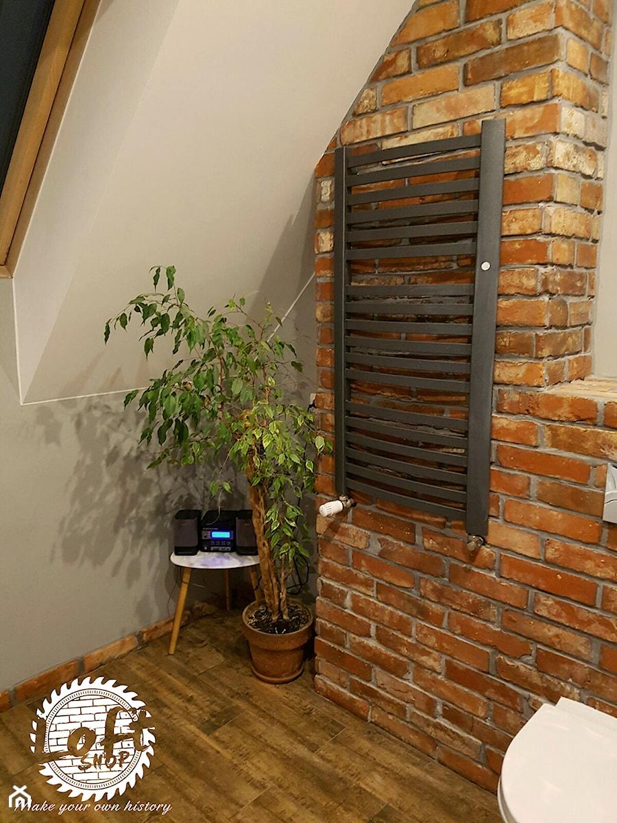 Ceglana ściana W łazience Zdjęcie Od Loft Shop Manufacture