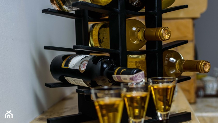 Stojak Na Wino Samuraj Zdjęcie Od Erico Lusso Homebook
