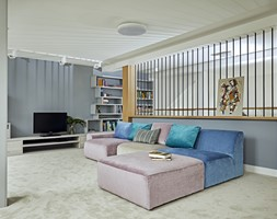 Mama & Tata + 2 - Duży szary salon, styl nowoczesny - zdjęcie od KAZA INTERIOR DESIGN
