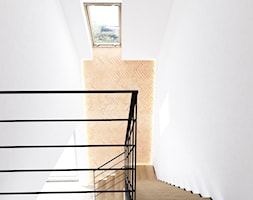 Wnętrza domu na Jurze - Schody, styl minimalistyczny - zdjęcie od BAK Architekci - Homebook